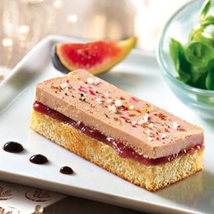 toast au foie gras sur gâche tranchée au beurre frais