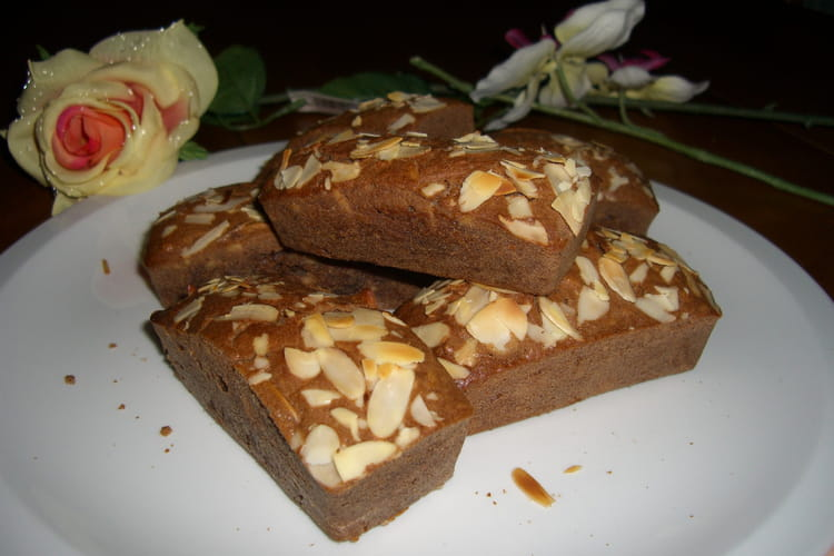 Fondant au chocolat au lait aux amandes grillées