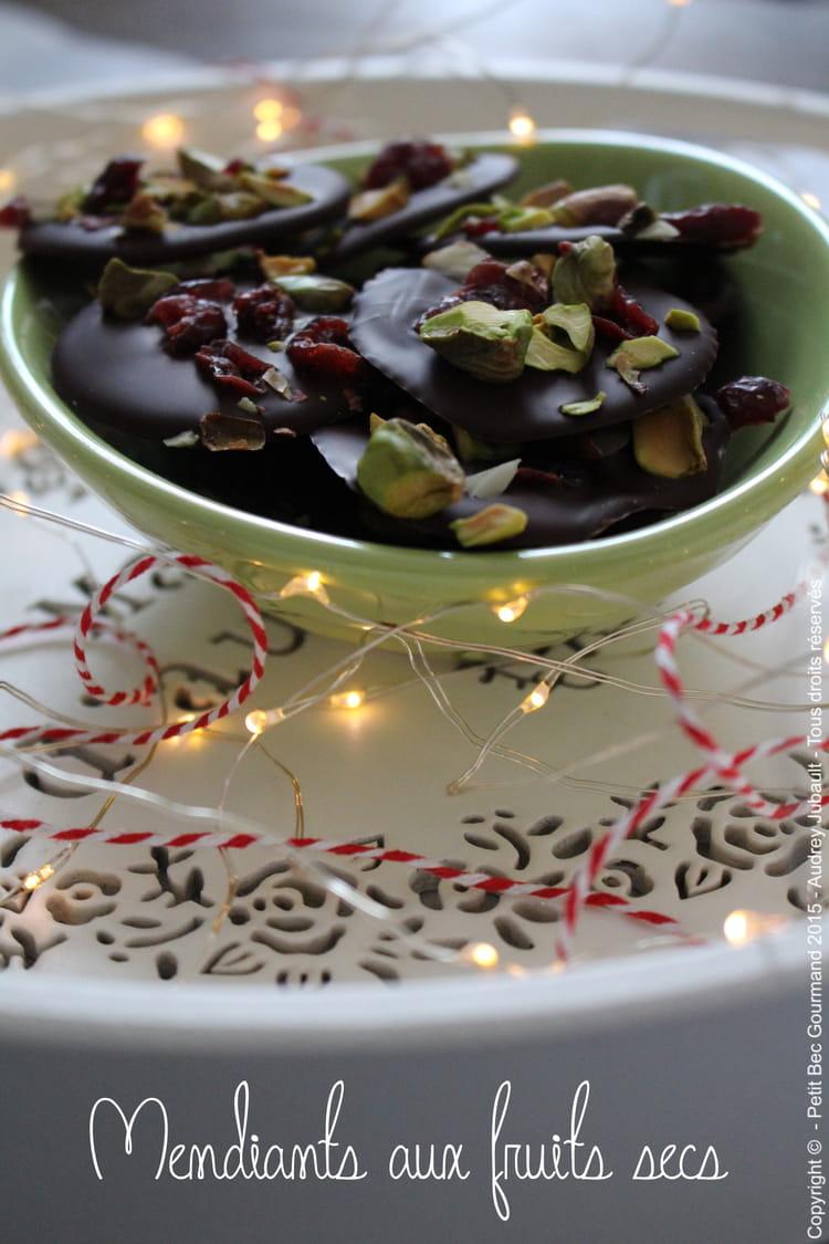recette de mendiants aux fruits secs la recette facile. Black Bedroom Furniture Sets. Home Design Ideas