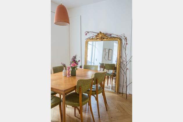 miroir dor c t salle manger. Black Bedroom Furniture Sets. Home Design Ideas