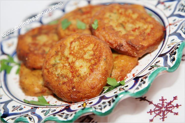 Beignets d'aubergine et pomme de terre (Maakouda)