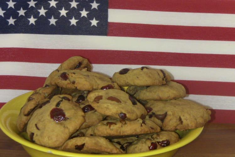 Cookies au chocolat, noix de pécan et cranberries