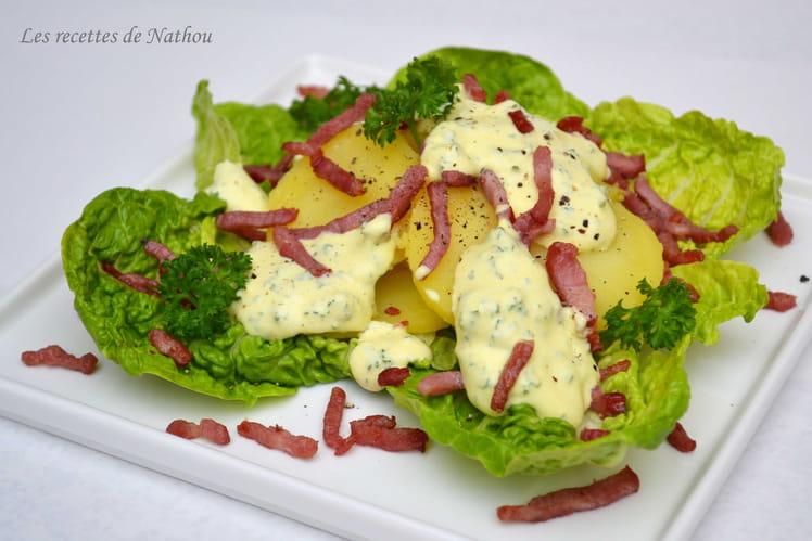 Salade tiède de pommes de terre aux lardons, sauce persil et curcuma