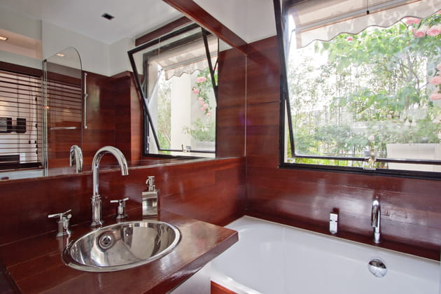 Une salle de bains paquebot