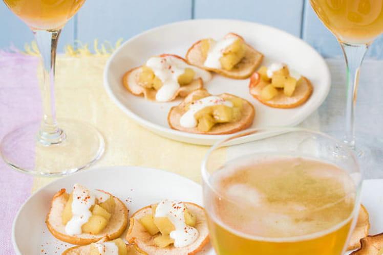 Chips de pommes maison, dés de pommes confites au au cinq épices et mousse glacée au cidre