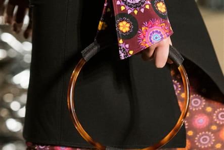 Givenchy (Close Up) - photo 28