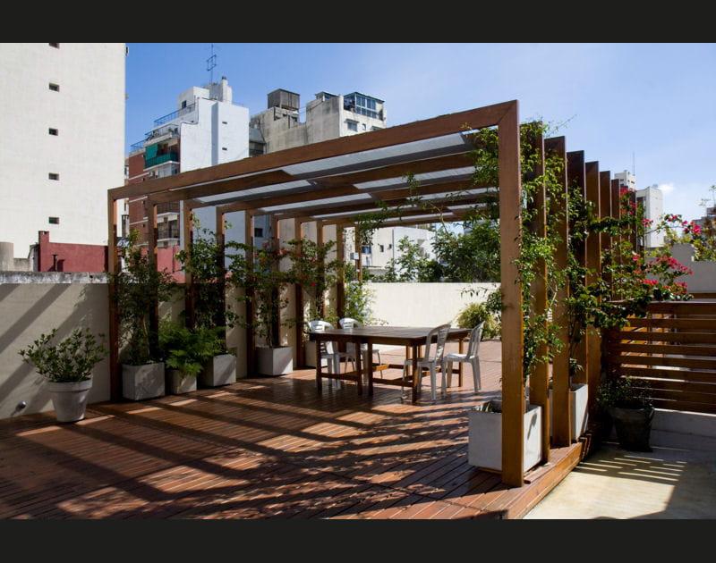 Un appartement rénové avec toit-terrasse