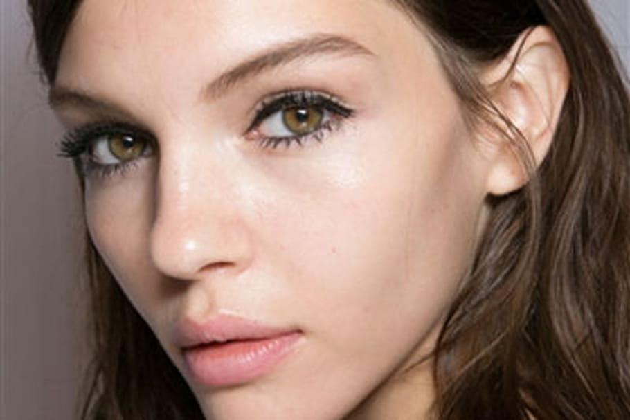 Fashion week prêt-à-porter Londres : le maquillage rayonnant de Mulberry