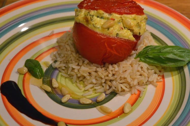Tomates farcies au chèvre frais, curry et basilic