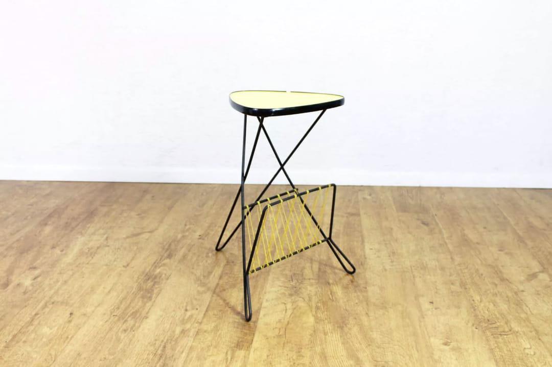 table-porte-revue-scoubidou-selency