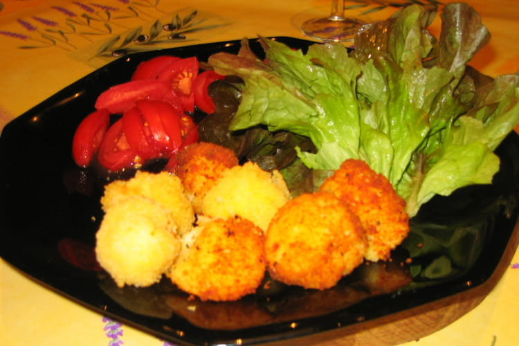 Beignets de pomme de terre au fromage ail et fines herbes