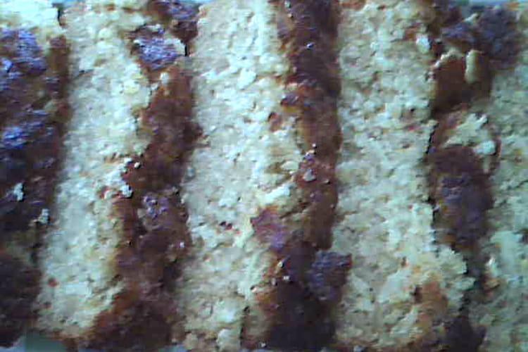 Quatre-quarts aux pommes râpées et caramel beurre salé