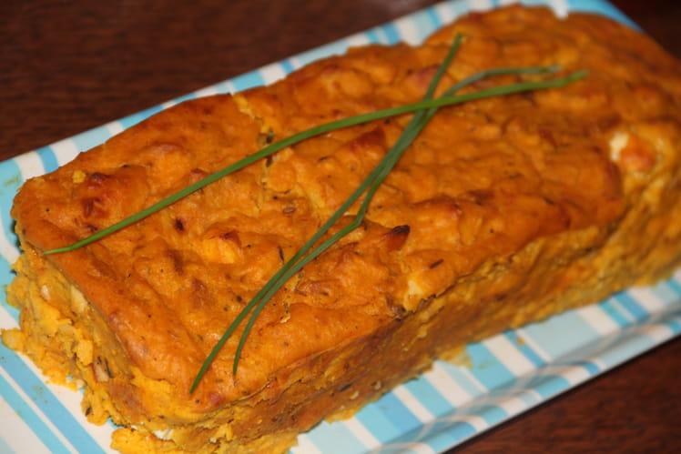 Pudding salé aux carottes, poulet et épices