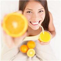 le rhume peut entraîner une fatigue importante. pensez aux jus de fruits !