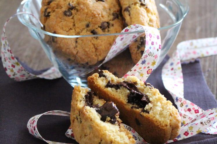 Grands cookies au chocolat carambar