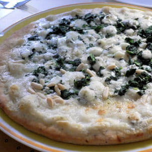 pizza blanche aux épinards-gorgonzola