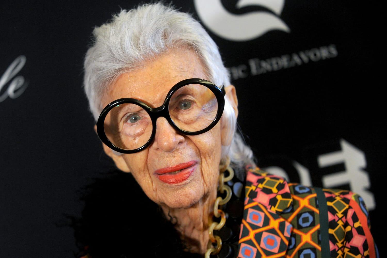 Iris Apfel, reine de beauté de la Plage Magnum Cannes