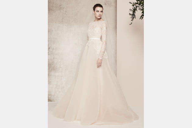 Une robe de mariée distinguée