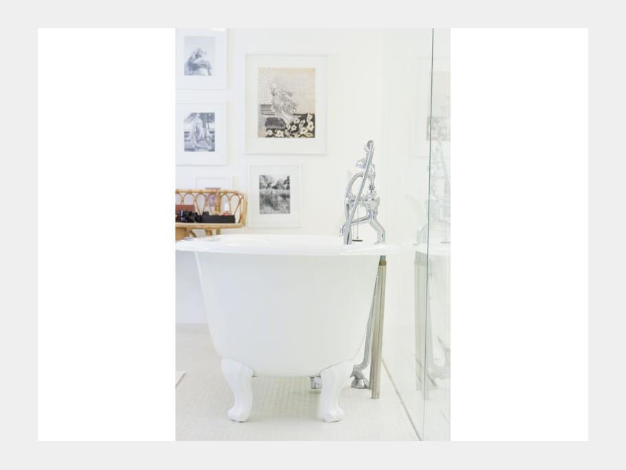 Style r tro on veut une baignoire sur pieds l - Baignoire style retro ...