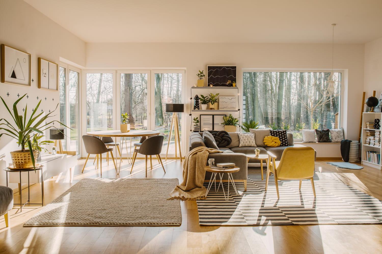 Recréer une pièce à vivre moderne aux inspirations scandinaves
