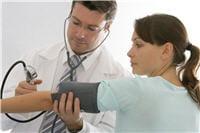 en cas d'hypertension, le généraliste peut vous indiquer un cardiologue.