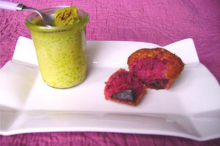 Crème brûlée à la pistache et financier roses