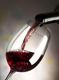 Un verre de vin rouge au diner est bénéfique pour la santé