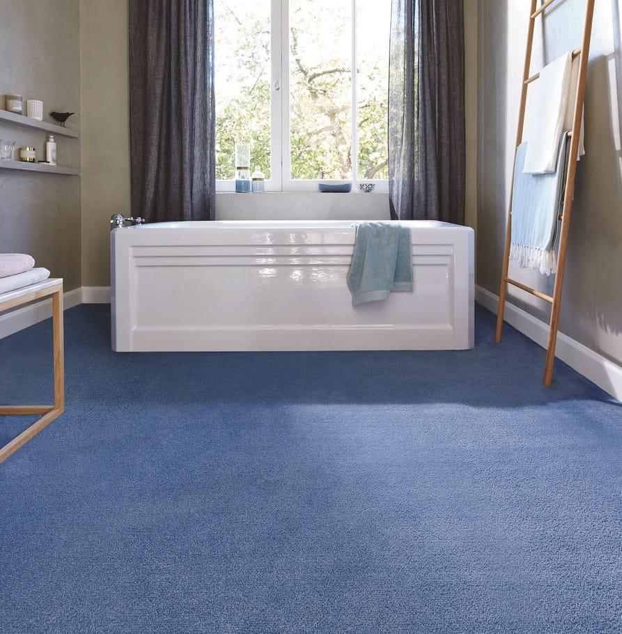 la moquette quel sol pour la salle de bains journal des femmes. Black Bedroom Furniture Sets. Home Design Ideas