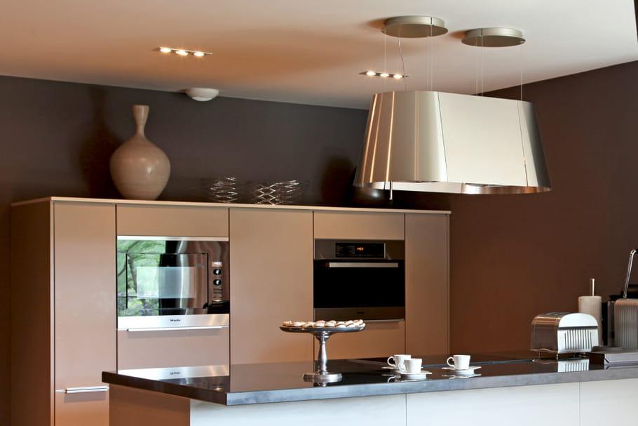 comment clairer la cuisine. Black Bedroom Furniture Sets. Home Design Ideas