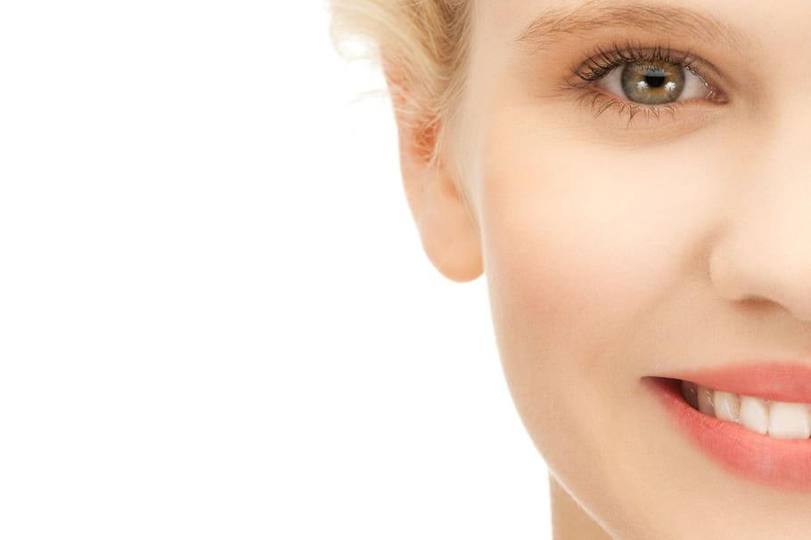 Comment masquer l'acné adulte