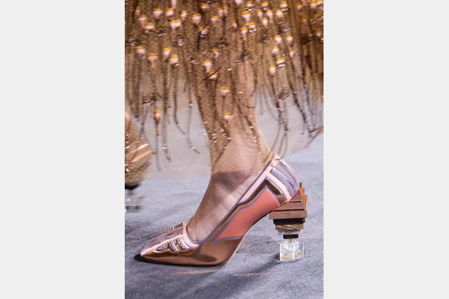 Fendi Couture (Close Up) - photo 37