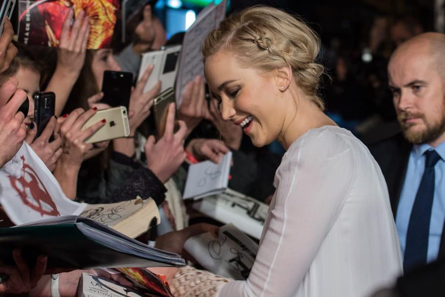 Hunger Games 4 : les acteurs embrasent le tapis rouge parisien