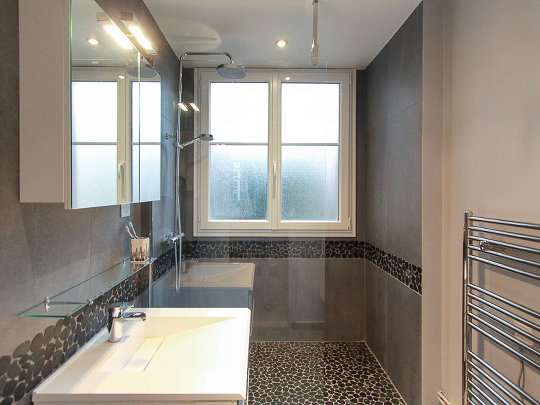 La salle d 39 eau apr s for Enlever odeur cigarette chambre