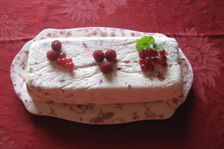 Pain de fruits rouges sauce framboise