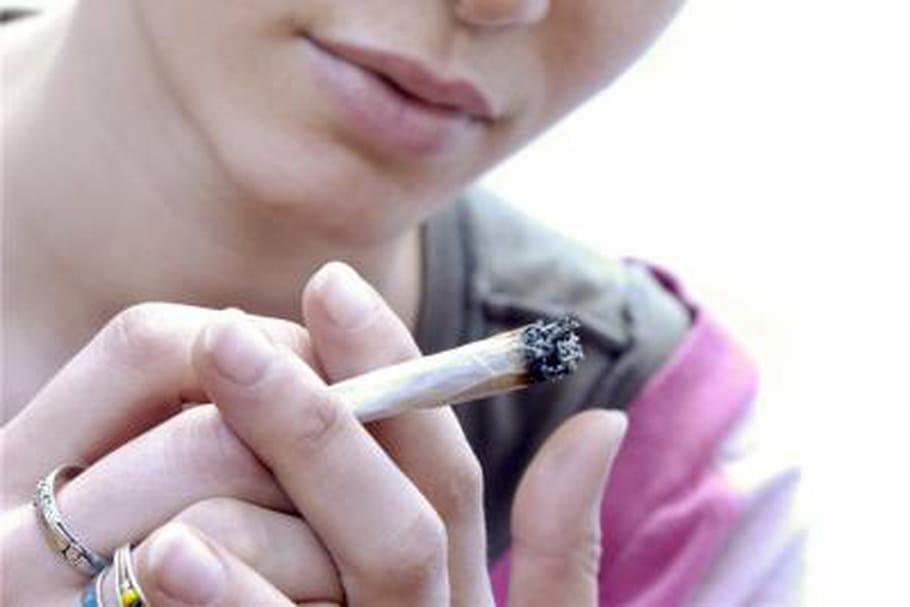 Fumer du cannabis depuis l'adolescence diminue le QI
