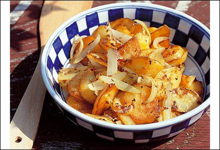 recette de pommes de terre saut es la recette facile. Black Bedroom Furniture Sets. Home Design Ideas