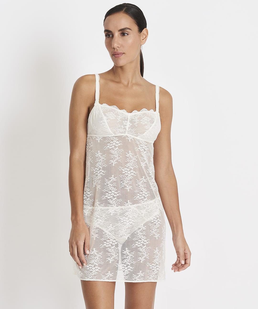 photos officielles f7893 0283b Lingerie de mariage : des sous-vêtements adaptés à la robe ...