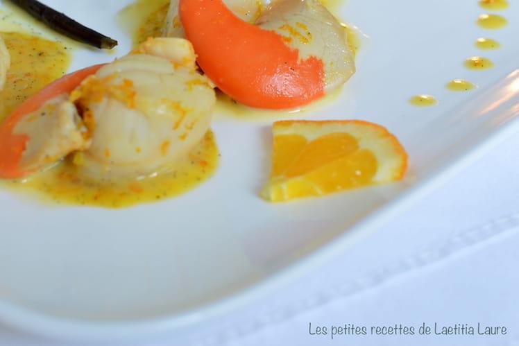 Noix de Saint Jacques à la vanille et à l'orange, et fondue de poireaux