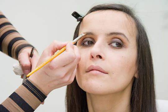 Le maquillage des sourcils