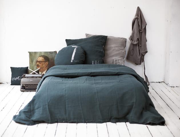 parure de lit en lin bleu canard par bed and philosophy. Black Bedroom Furniture Sets. Home Design Ideas