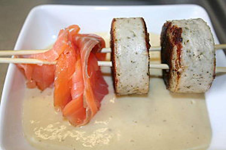 Brochettes de boudin et saumon à la crème d'asperge