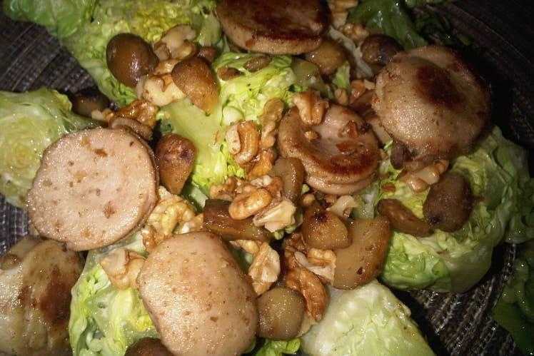 Salade au boudin blanc, marrons et noix
