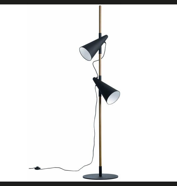 Un lampadaire au lignes modernes