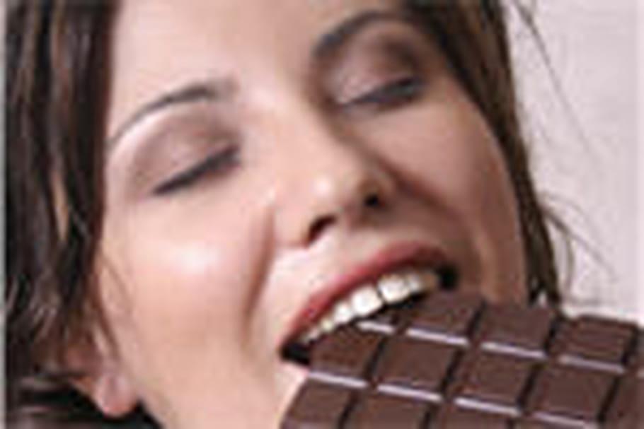 Manger du chocolat noir chaque jour réduit le risque d'infarctus