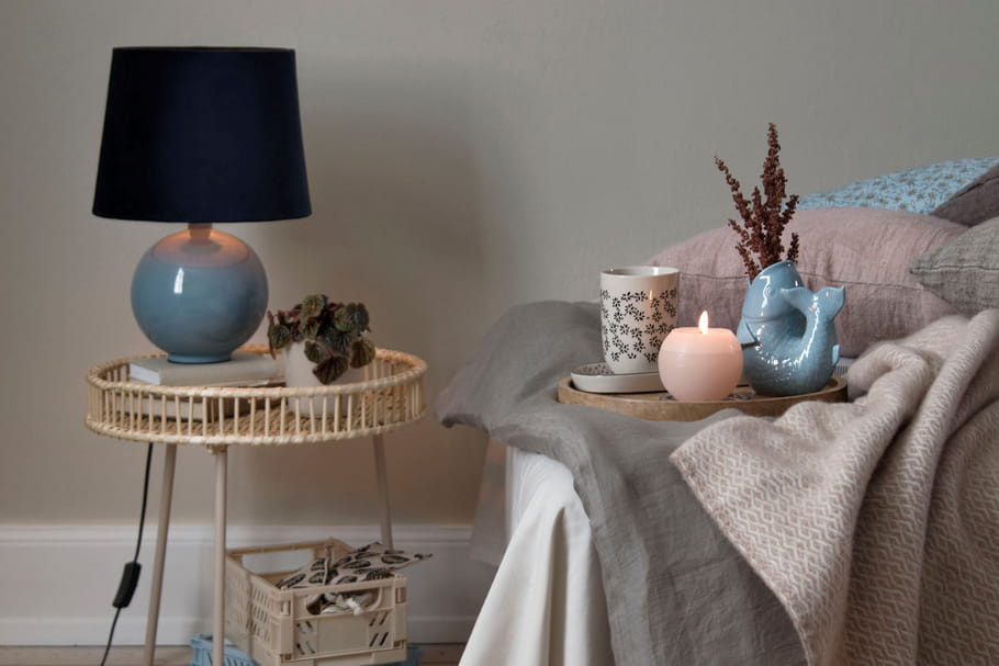 Lampe de chevet: conseils et shoppings pour bien la choisir
