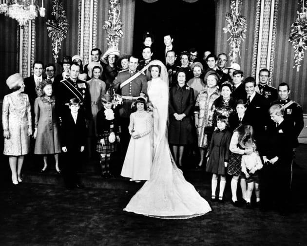 Photo de famille (royale) au mariage de la princesse Anne et du capitaine Mark Phillips