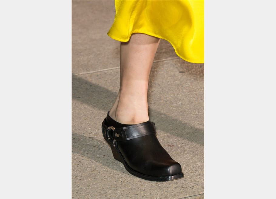 Wanda Nylon (Close Up) - photo 11