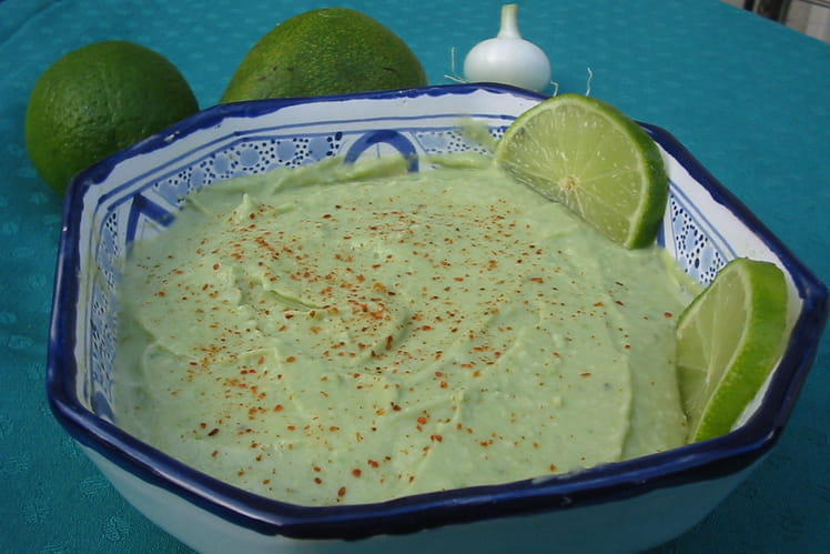 Guacamole à l'oignon et piment de Cayenne