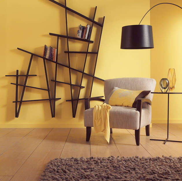 un salon jaune cosy. Black Bedroom Furniture Sets. Home Design Ideas