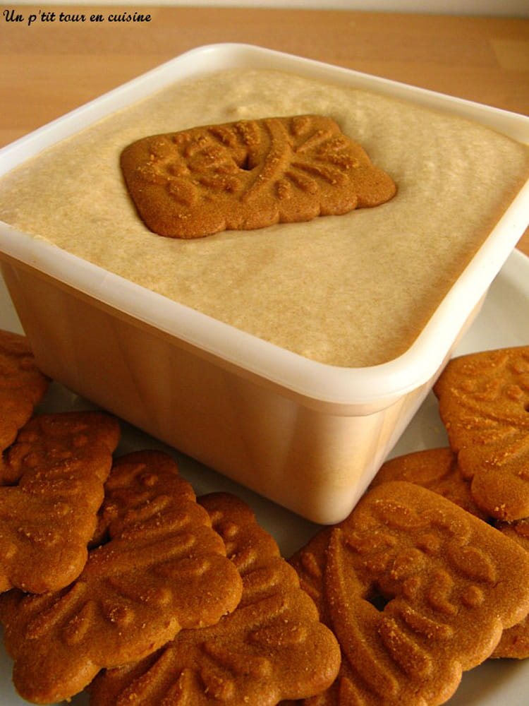 Recette de glace aux sp culoos sans sorbeti re la recette facile - Faire une glace sans sorbetiere ...